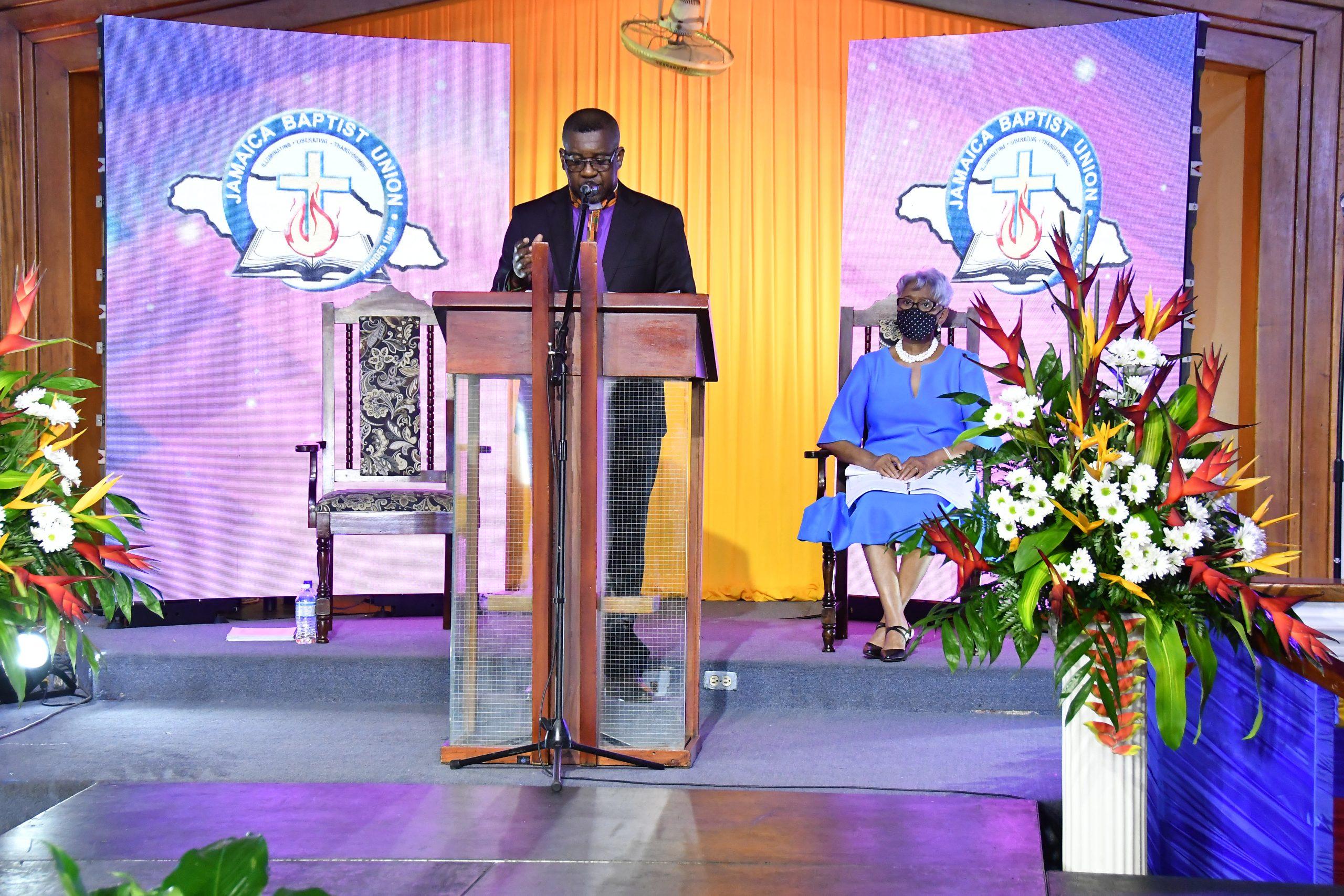 JBU President challenges Christians to reaffirm identity.